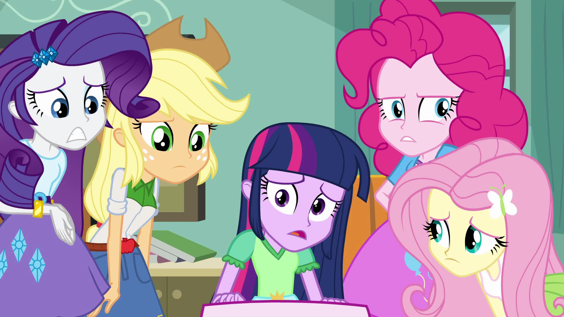 Rarity and the Lil Pup   My Little Pony: Equestria Girls